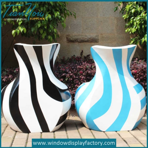 Colorful Vase Shape Fiberglass Chair