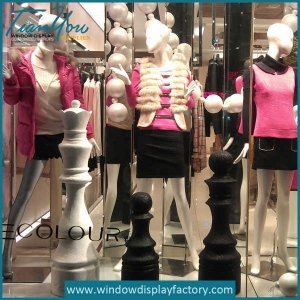 Attractive Display Fiberglass Chess Statue