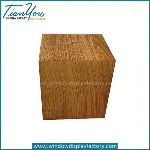 Custom Popuplar Mannequin Wood Cube Display Based