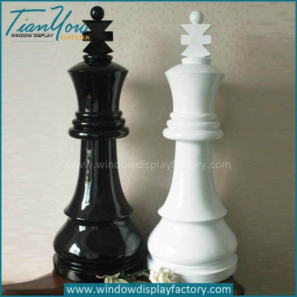 Elegant Custom Outdoor Fiberglass Chess King Display