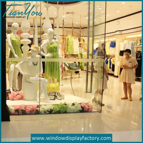 Beautuful Fake Paper Flowers for Clothes Window Display