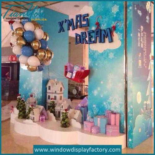 Window Display Christmas Theme Props